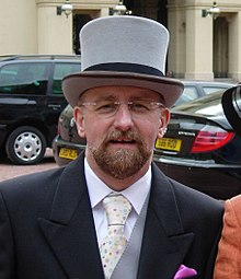 220px-Stephen_Whittle_(OBE)_at_Buckingham_Palace_(cropped)